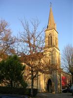 L'église Ste Marie de Salleboeuf vous salue.