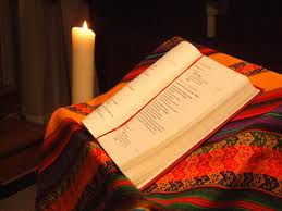 Bible et bougie